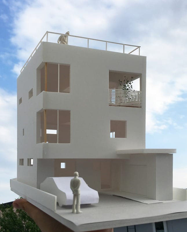 屋上テラスのある3層住宅が着工しました。
