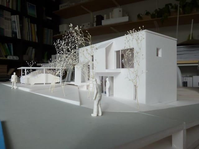 段差のある敷地 模型