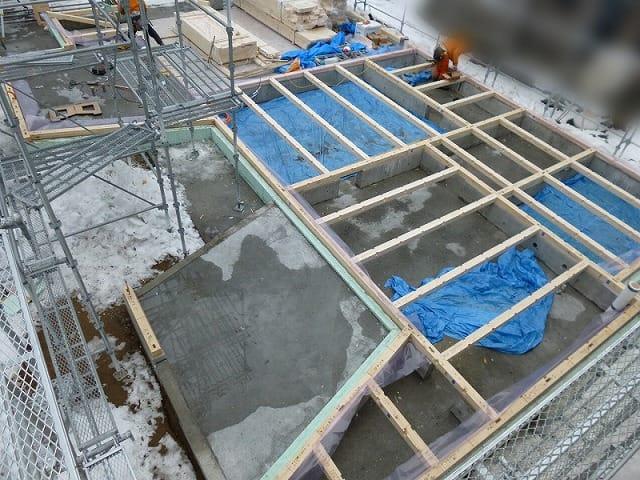 土台敷き 建て方 富谷洋介建築設計
