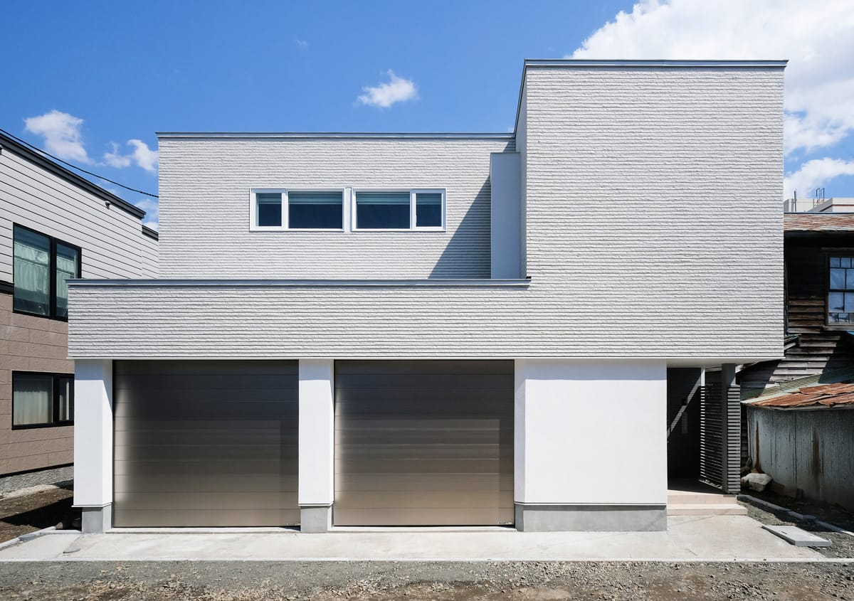 House with Light guiding shape