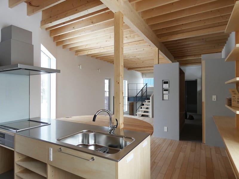 富谷洋介建築設計の手稲区の住宅オープンハウスキッチン
