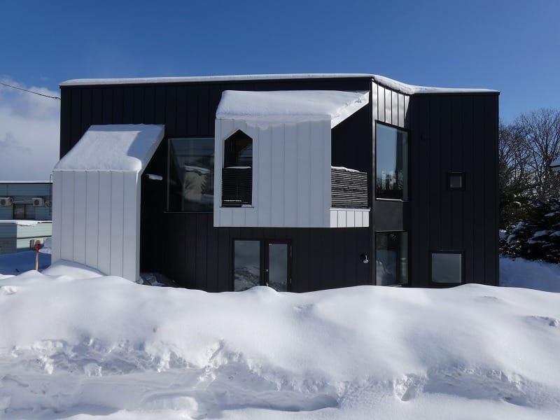 手稲区のスキップフロアの住宅 外観正面 富谷洋介建築設計