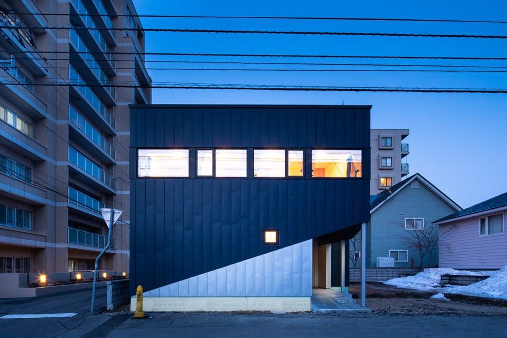 斜めラインの外観デザイン「Slash」一級建築士事務所 富谷洋介建築設計