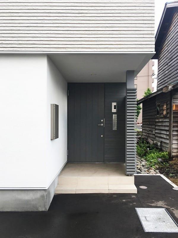 集光の家 玄関ポーチ